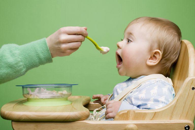 شروع غذا دادن به کودکان